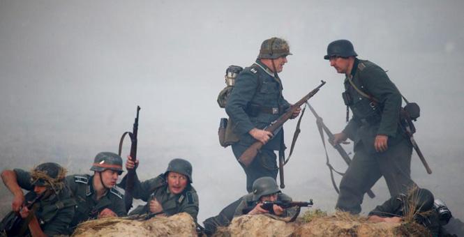 白俄罗斯纪念卫国战争76周年 重现战争场面