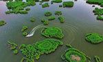 新疆巴音郭楞蒙古自治州相思湖畔风光美