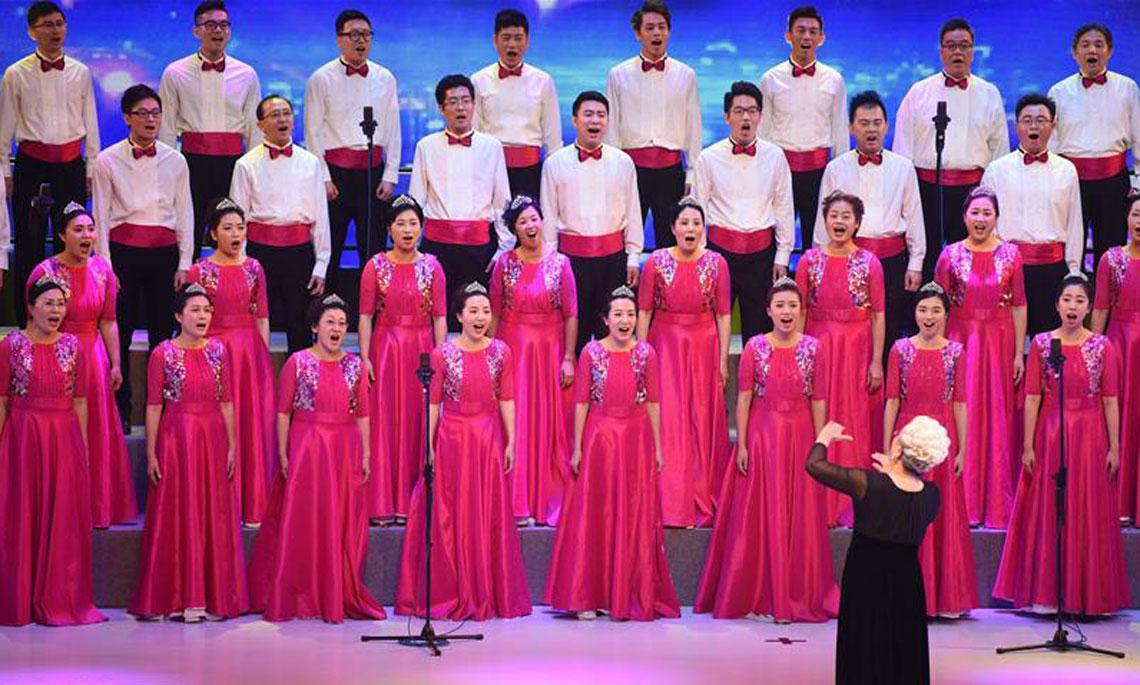 香港各界庆祝香港回归祖国二十周年合唱大汇演举行