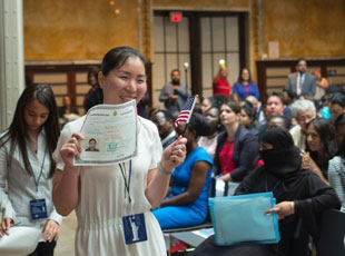 看看美國的新公民入籍儀式