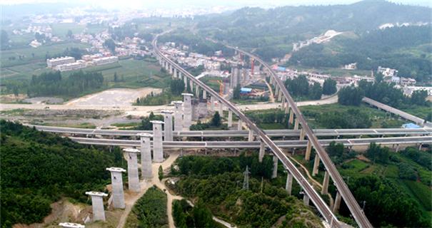 国家重点工程蒙华铁路加紧施工