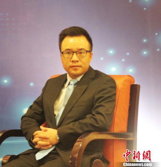 圖為印尼中國商會總會會長劉城出席論壇。 林永傳 攝