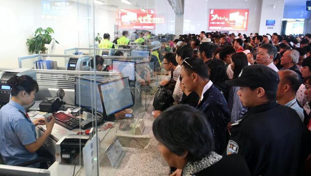 持续暴雨致昆明南站经沪昆高铁列车全部停运