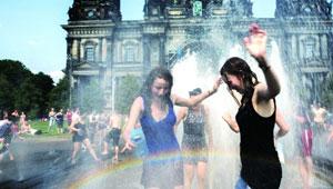 外国人炎夏如何避暑?