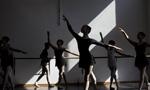 巴西若因维利舞蹈节开幕 全城将成大舞台