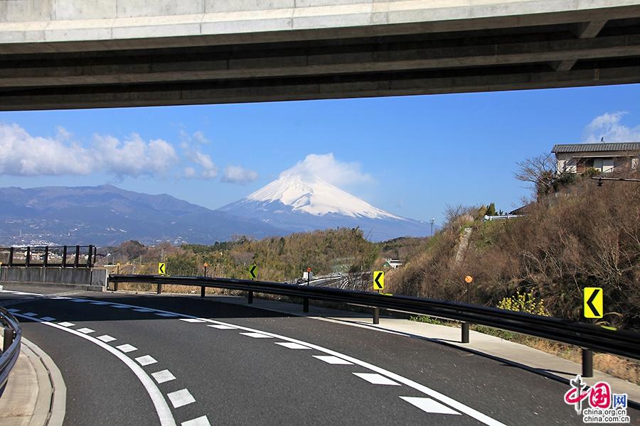 富士山从山脚到山顶共分为十合目