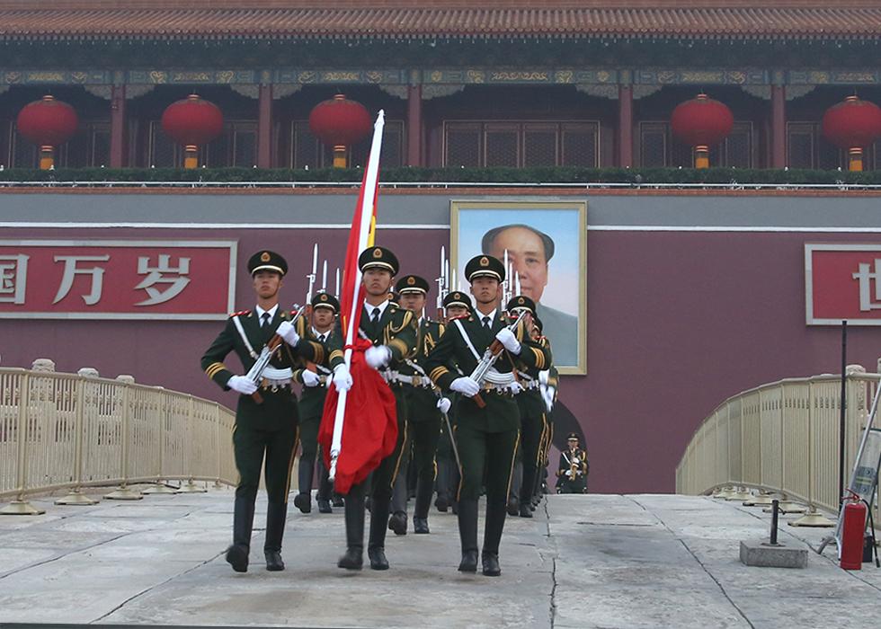 第33期:专访国旗护卫队:升好祖国第一旗
