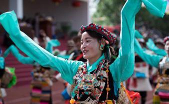 """西藏江孜举行600年历史民俗活动""""达玛节"""""""