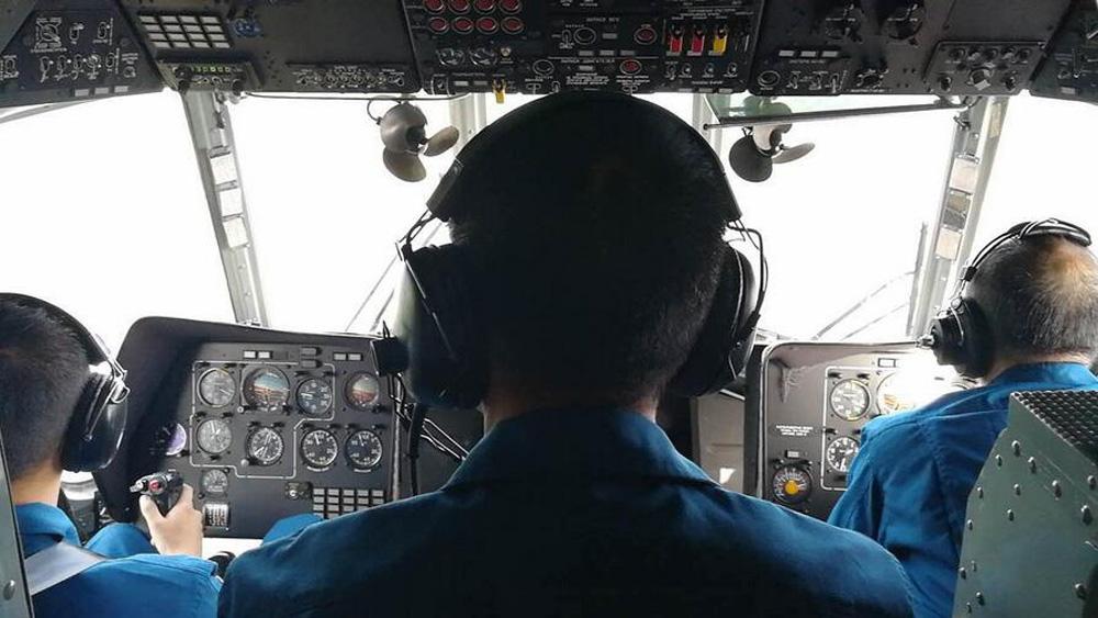 第77集团军某陆航旅4架直升机赶往灾区救援