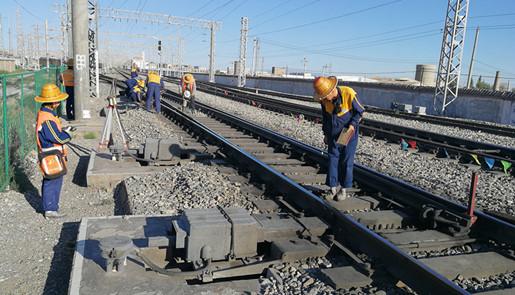 兰铁启动应急预案 对管内重点区段拉网式排查
