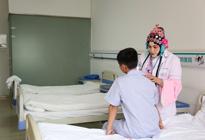 世相:京剧脸谱医生