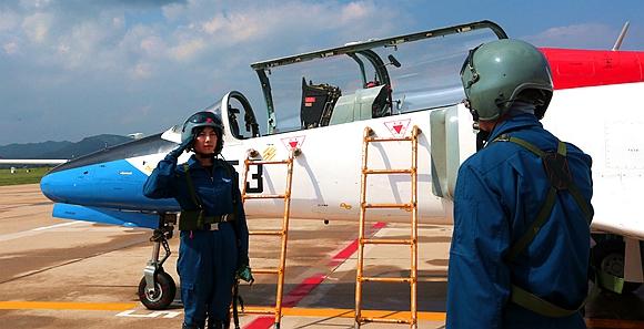 空軍第十批女飛行學員順利轉入高教機訓練