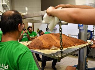 世界最大咖喱角破吉尼斯纪录