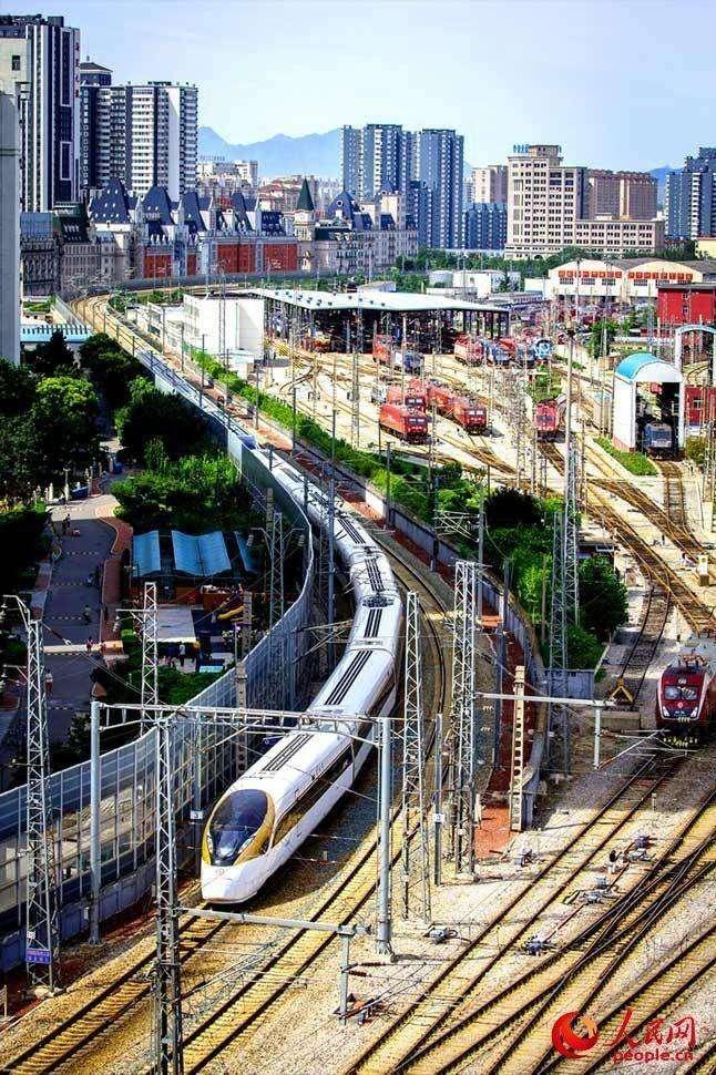 复兴号 金凤凰 和 蓝海豚 京广高铁线再度牵手