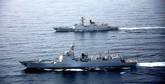 第二十六、二十七批护航编队在亚丁湾分航