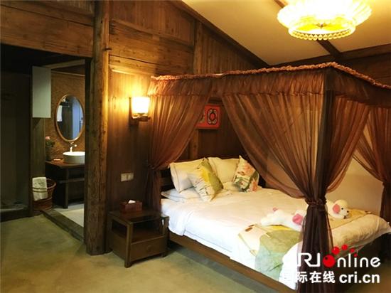 图片默认标题_fororder_篁岭的酒店客房是按照外墙五百年、内饰五星级的标准统一设计改造的_副本_副本