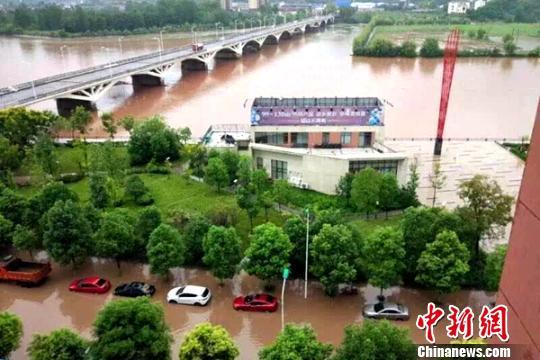 遠安縣城多個小區被淹 黃魁 攝