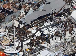 """航拍照片展示颶風""""艾爾瑪""""的巨大破壞力"""