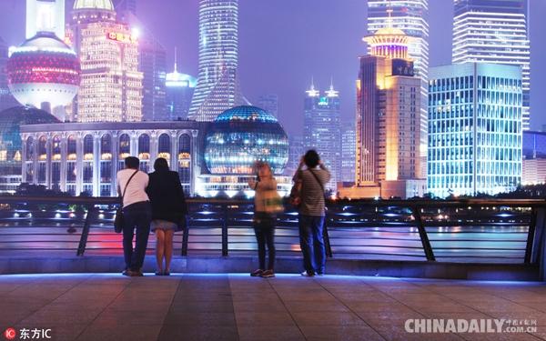 中国安全吗?外国网友清一色地回答:当然了!