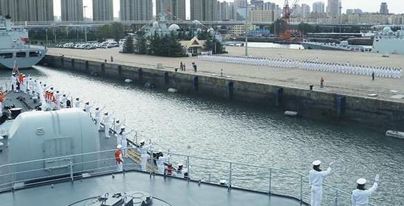 我海军舰艇编队完成中俄联演任务返回青岛