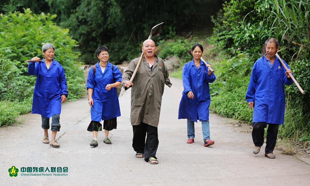 """""""坚持""""方能看到希望——重庆市长寿区脱贫典型熊本超"""