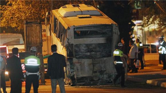 土耳其一警用客车遭炸弹袭击致18人受伤
