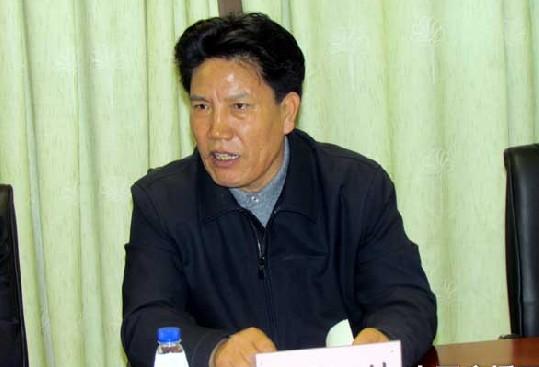嘉宾:洛桑江村 十九大代表,西藏自治区党委副书记