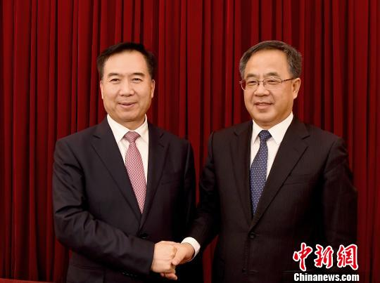 李希接棒胡春华任广东省委书记