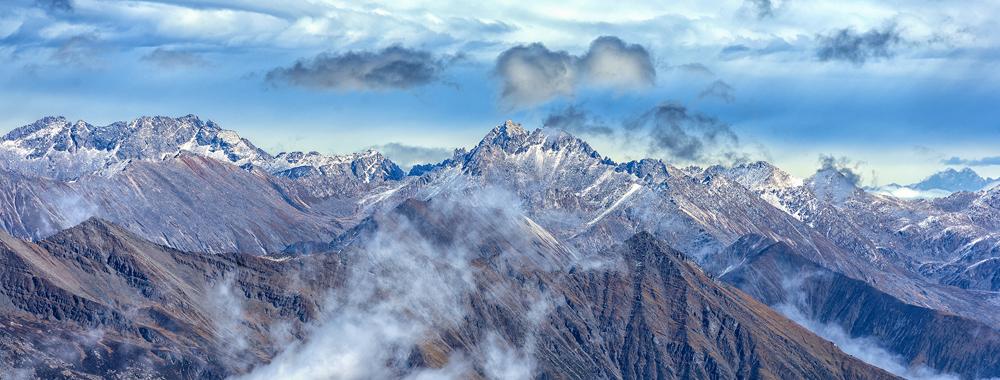 """探访海拔4860米的天堂秘境""""达古冰川""""(图)"""