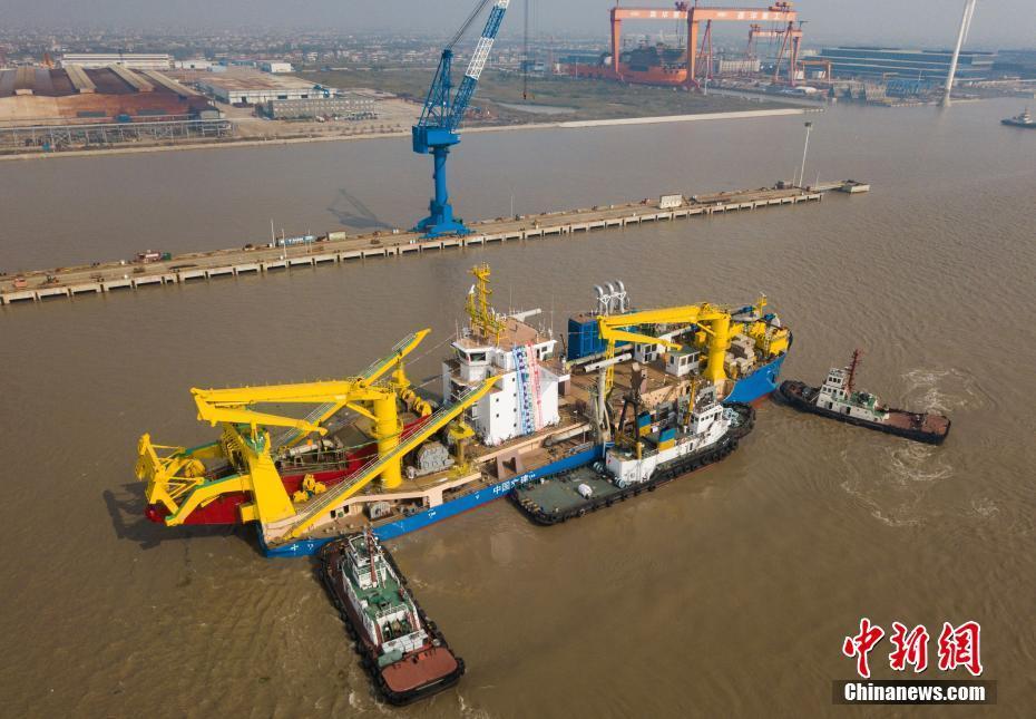"""中国""""造岛神器""""下水 亚洲最大绞吸挖泥船建成[组图]"""