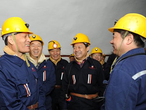 河南省委書記是怎樣把十九大精神宣講到700米礦井下的?
