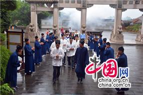 上海白云观参访团一行参访海南玉蟾宫
