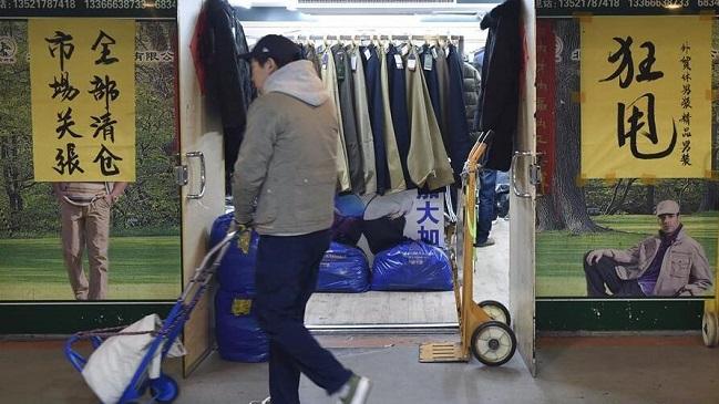 """北京:""""动批""""最后一处营业的服装批发市场即将关闭"""