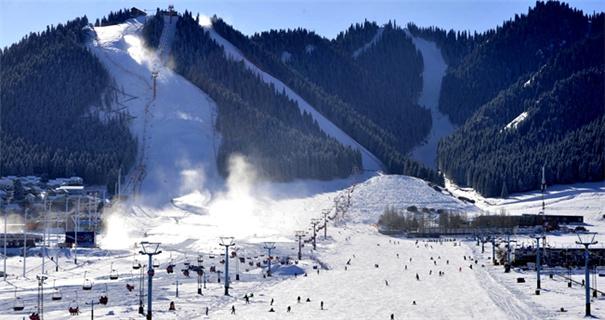 乌鲁木齐迎来滑雪季