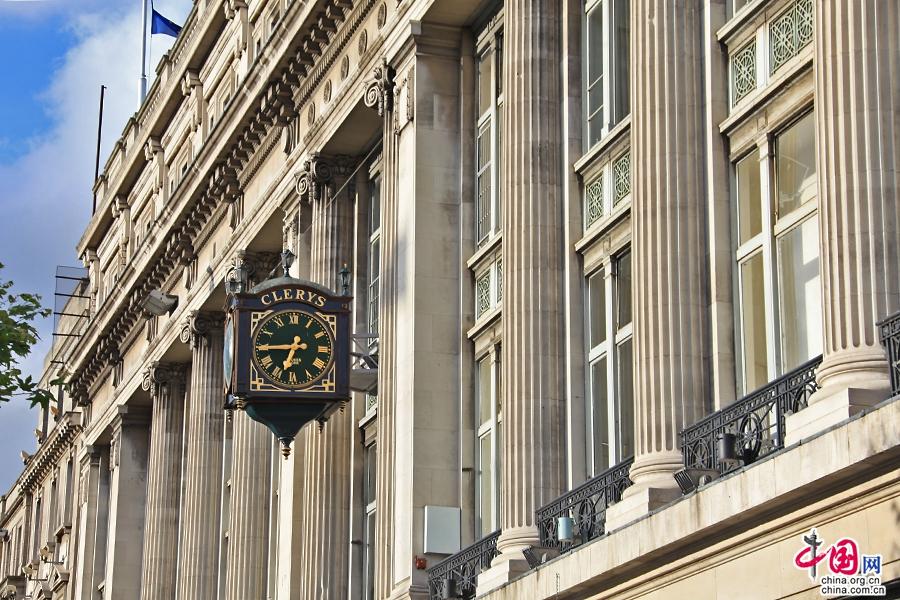 奧康奈爾大街大側的新古典主義式的商業建築