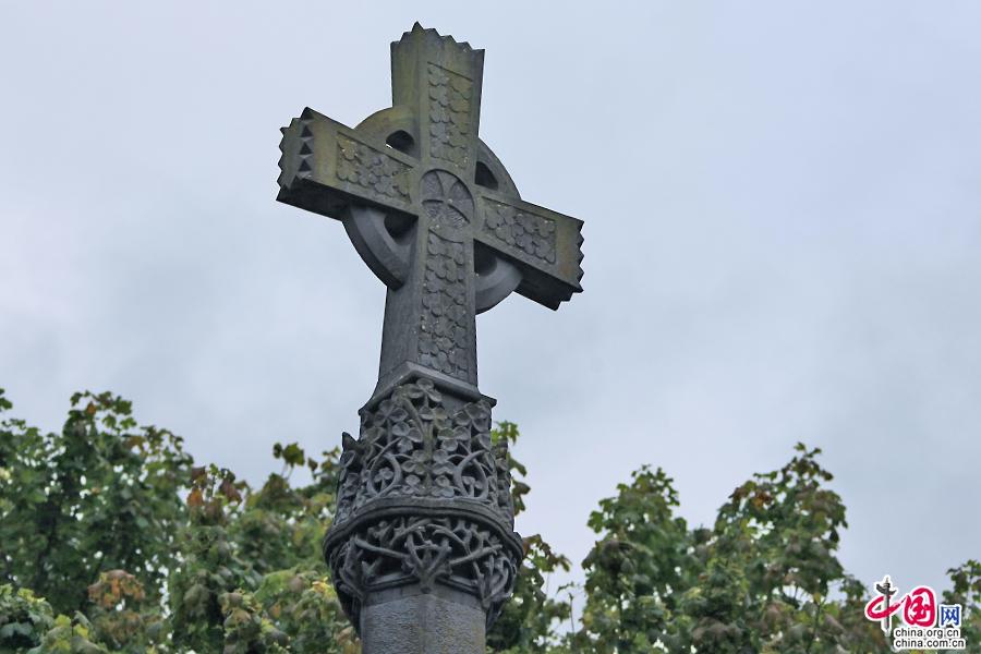 阿黛尔小镇的凯尔特十字架