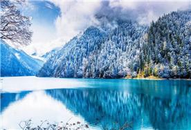 九寨溝迎來入冬第一場雪