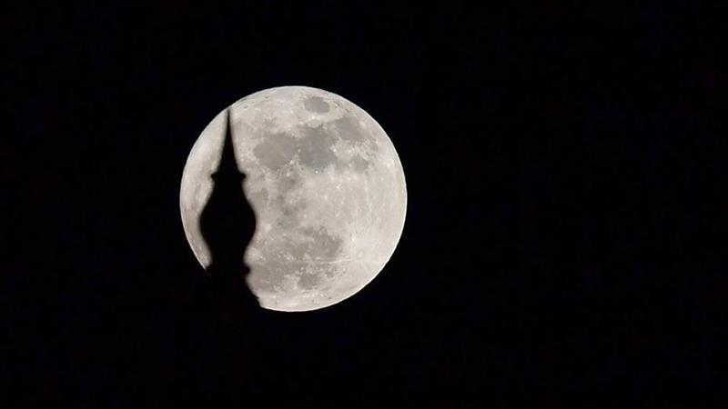 """""""超级月亮""""在全球各地现身 系今年最大满月"""