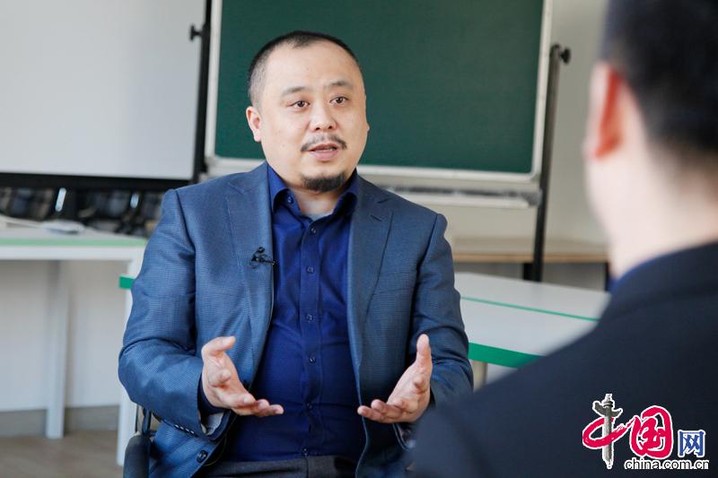 钟杰:儿童遭受虐待后,家长是最重要的心理医生