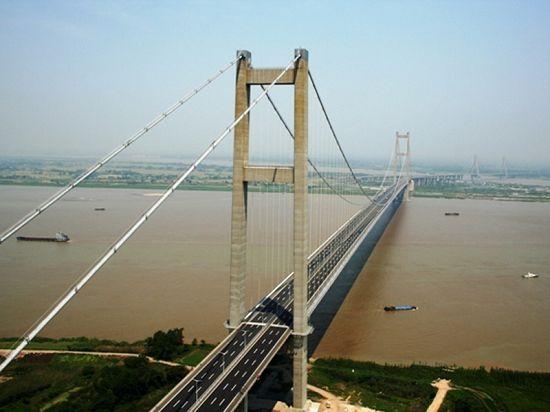 اكبر 10 جسور معلقة في العالم