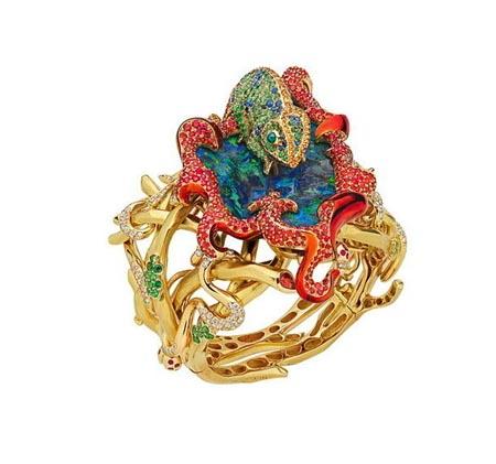 الخواتم المرصعة بالمجوهرات الكريمة لماركة ديور 001372acd3a20f8a1af5