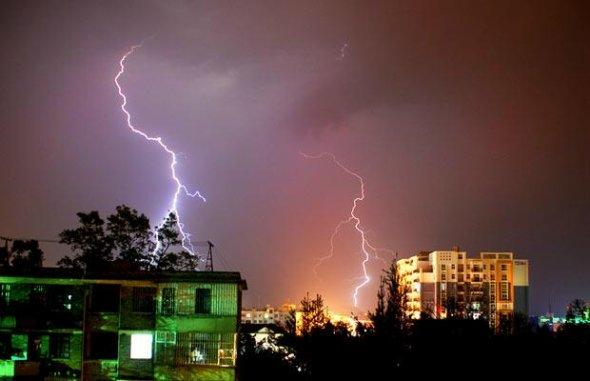 صور برق روعة من بعض مدن العالم 001143016c2a0fadd97e14