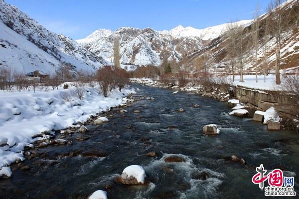 مناظر ثلجية خلابة من طاجيكستان 001372acd3a21091a2cc