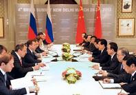 الرئيسان الصيني والروسي يلتقيان في نيودلهي لبحث التعاون