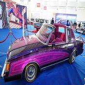 سيارات كلاسيكية عالمية تعرض في شمال شرق الصين