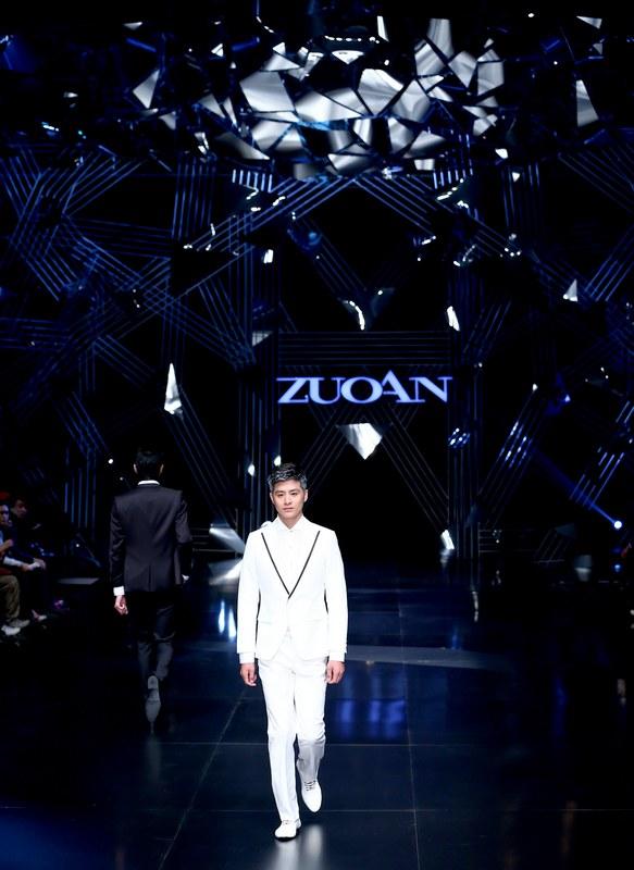 أزياء صينيه أسبوع أزياء الصين الدولي2013