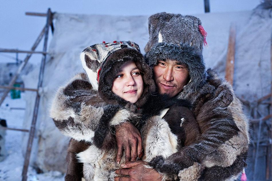 إسرار حياة شعب الإسكيمو في القطب الشمالي Font Color Ff6600 خاص Font