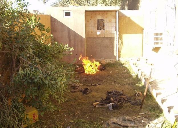 صور مسربة عن قيام الجيش الامريكي باحراق جثث مواطنين في الانبار