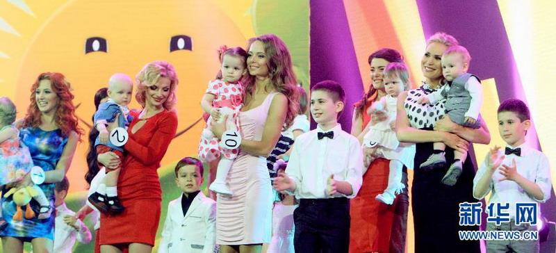 مسابقة ملكة جمال الأمهات في مينسك تجذب