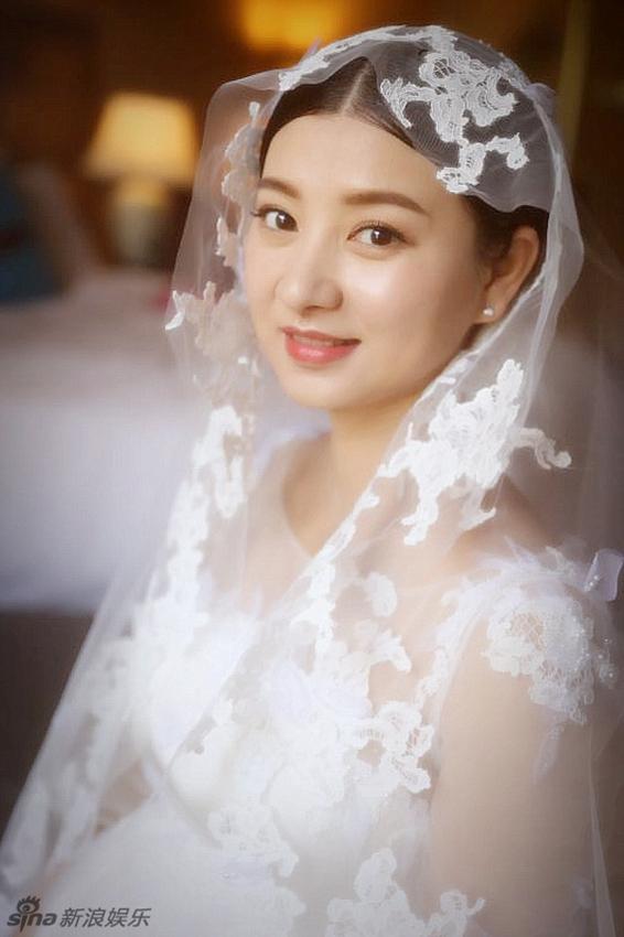 صور الزفاف للممثلة الصينية لان شي